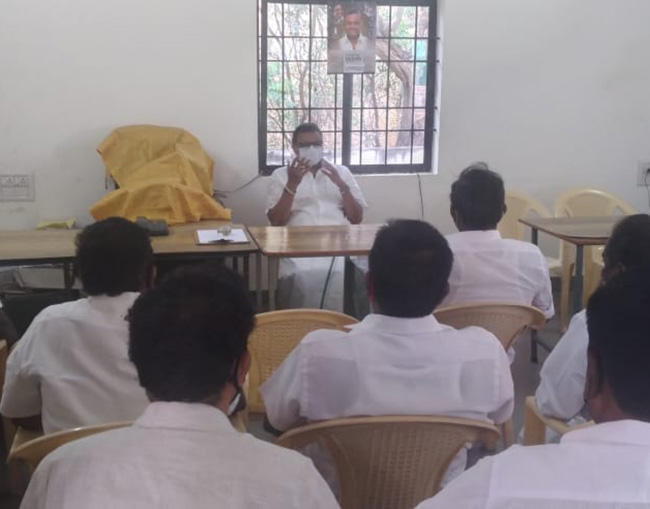 Mr Karti P Chidambaram, MP, Sivaganga, at the meeting with the Congress party officials at the Sivaganga MP Office on 28.03.2021