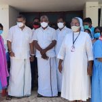 Mr Karti P Chidambaram, MP, Sivaganga, along with Karaikudi MLA, Mr Mangudi, visited the Saruguni Idhaya Arogya hospital in Devakottai on 27.05.2021 and discussed with the doctors at the centre regarding the Covid treatment related activities and the vaccination drive being conducted at the centre