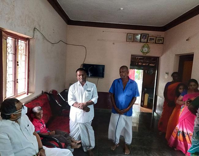 Mr Karti P Chidambaram, MP, Sivaganga, on 18.02.2021, visited the house of Kalayar Kovil Union Councillor, Melamangalam Thiru Ilangovan to offer his condolences for the demise of Thiru Ilangovan's father