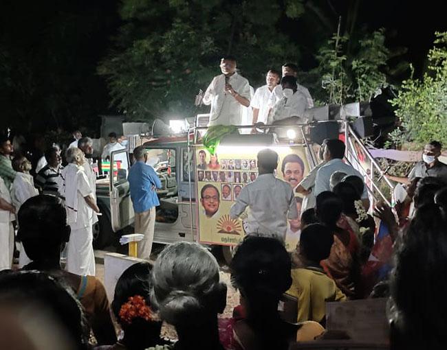 Mr Karti P Chidambaram, MP, Sivaganga, while campaigning for the Congress MLA Candidate from Karaikudi Assembly, Thiru Mangudi, in Iluppakudi on 31.03.2021