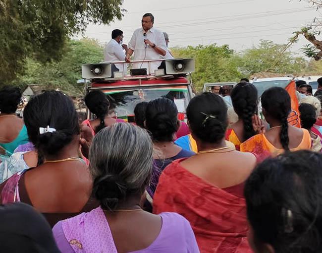 Mr Karti P Chidambaram, MP, Sivaganga, while campaigning for the Congress MLA Candidate from Karaikudi Assembly, Thiru Mangudi, in Saathikottai region in Devakottai Union on 01.04.2021