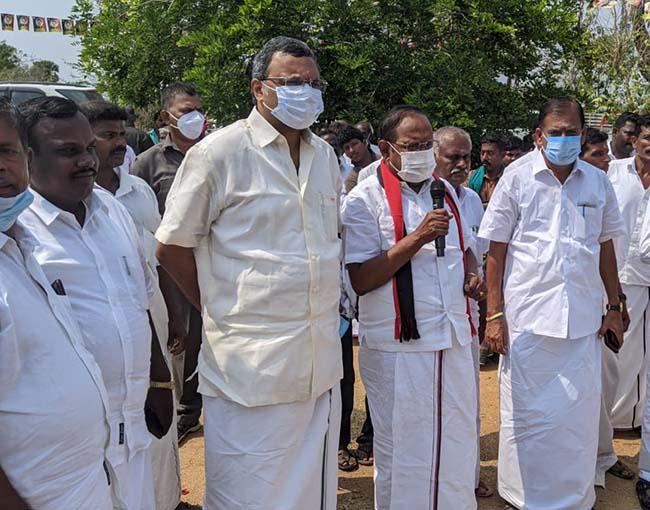Mr Karti P Chidambaram, MP, Sivaganga, while campaigning for the Congress MLA Candidate from Thirumayam Assembly, Thiru S Raghupathi, in Soriyampatti region in Sivagangai on 01.04.2021